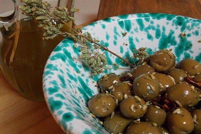 antipasto olive con semi finocchio