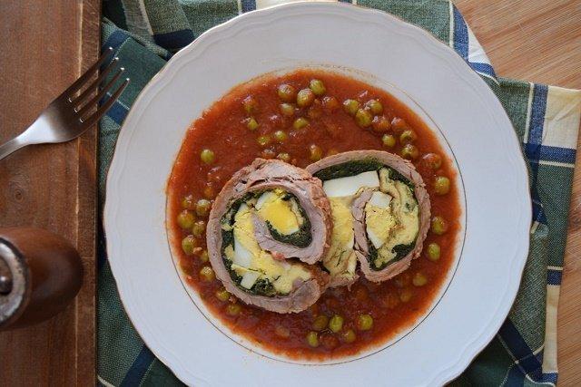 Falsomagro con salsa e piselli: il farsumagru siciliano