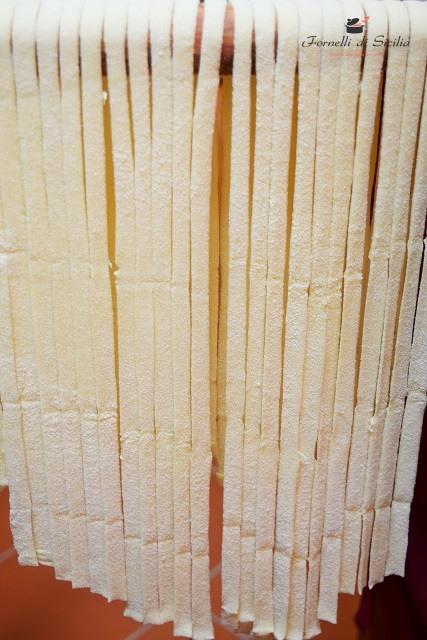 Tagliatelle di pasta fresca