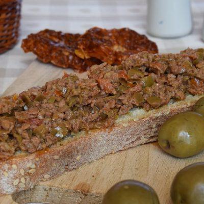 pate olive verdi pomodori secchi
