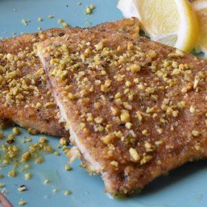 pesce spada con granella di pistacchi