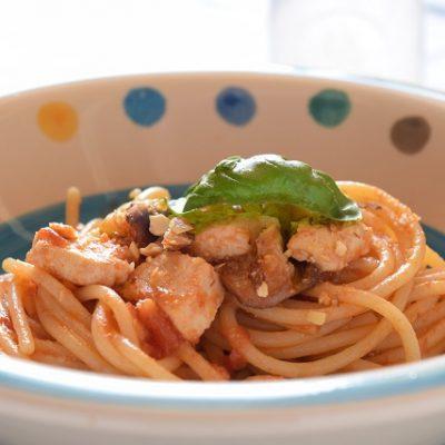 spaghetti con pescespada e melanzane