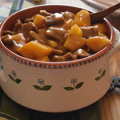 spezzatino aggrassato con patate