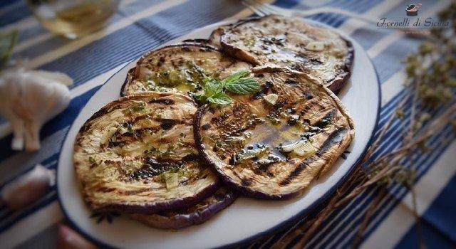 Melanzane grigliate: ricetta facile e veloce