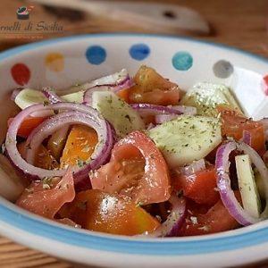 insalata di pomodoro e cetriolo