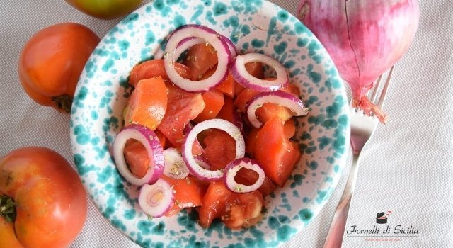 la perfetta insalata di pomodori