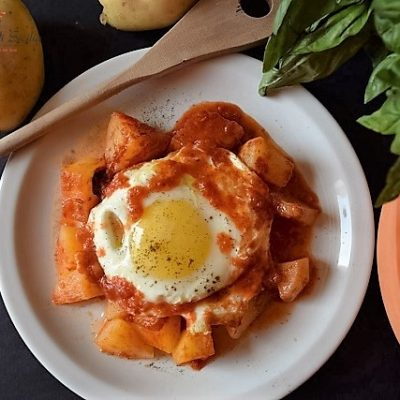 stufato di patate e uova