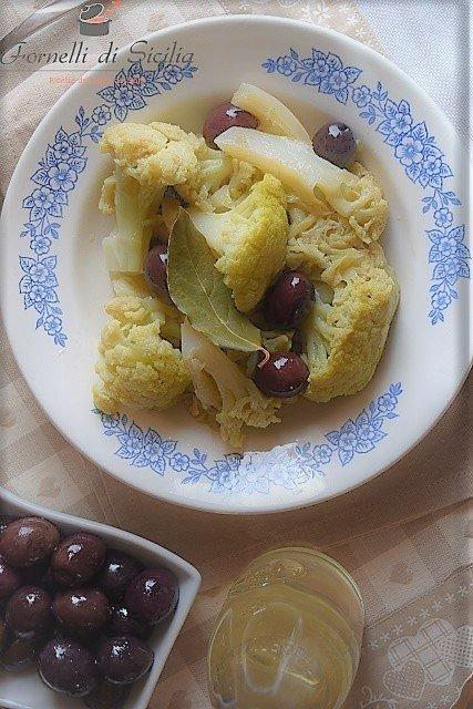 Broccolo con olive – Ricetta siciliana