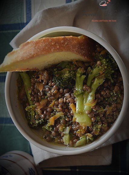 Zuppa di lenticchie e broccoletti