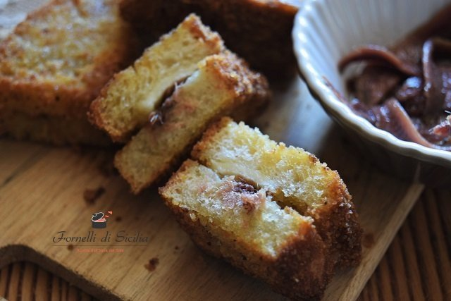 pane fritto con tuma