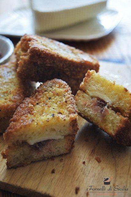 Ricetta Pane fritto con tuma e acciughe