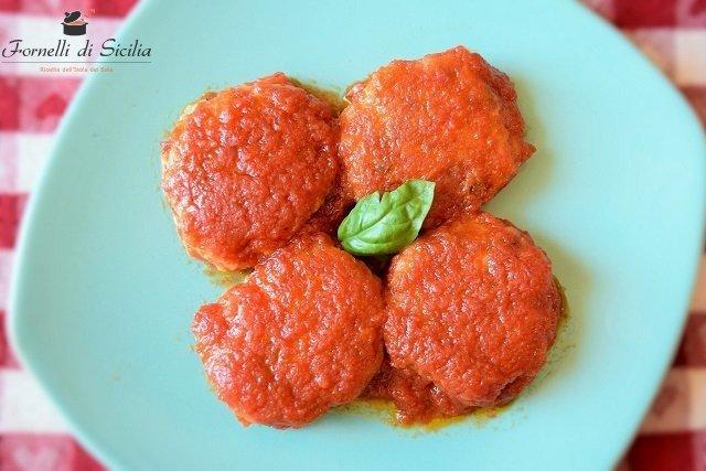 polpette di melanzane con salsa