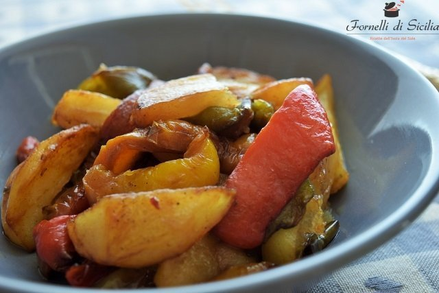 peperoni con patate fritte
