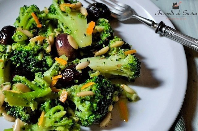 Broccoletti con olive nere all'arancia