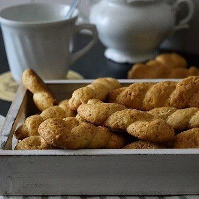biscotti a treccia