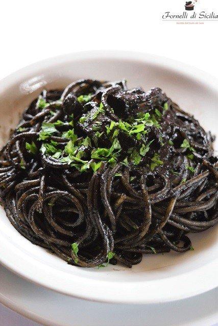 Pasta al nero di seppia: la ricetta perfetta