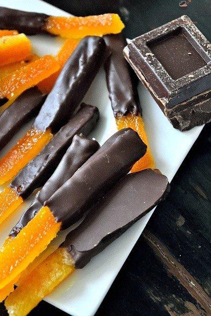 Scorze d'arancia candite al cioccolato