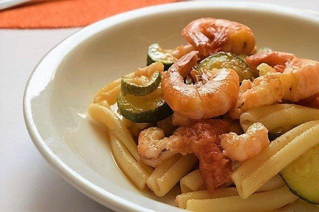 Caserecce zucchine e gamberetti: saporite e veloci