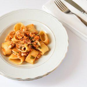 calamarata siciliana con sugo di triglia