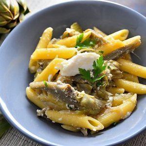 Pasta con carciofi e ricotta - la ricetta
