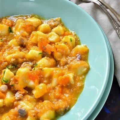 gnocchi di patate zucca rossa salsiccia