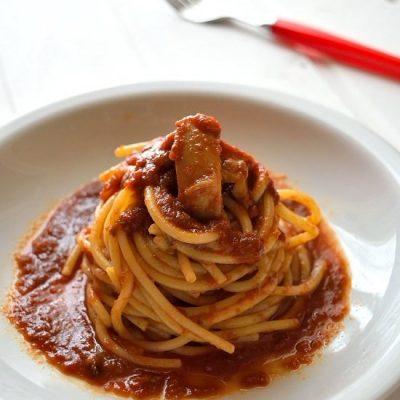 spaghetti al ragu di seppia