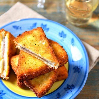 formaggio fritto con acciughe