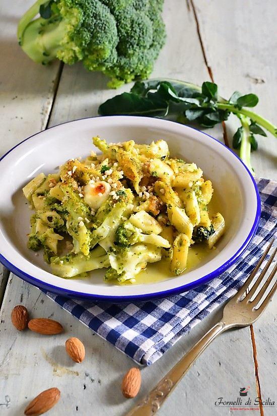 Pasta con i broccoletti (sparacelli) al forno