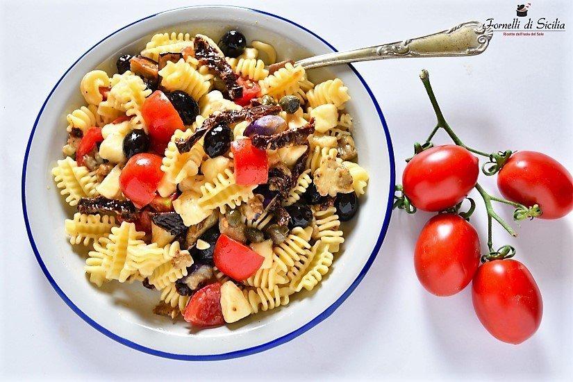 Insalata di pasta fredda siciliana