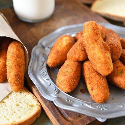 Polpette o crocchette con pane raffermo