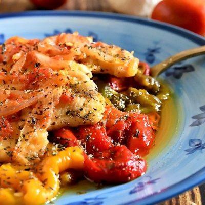 pollo con cipolla e peperoni al forno