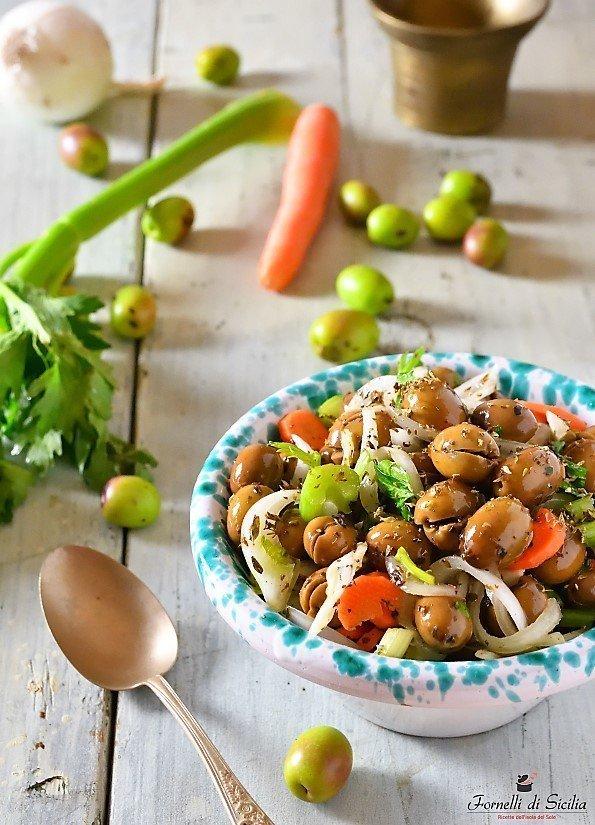 Olive verdi condite: tipica ricetta di novembre