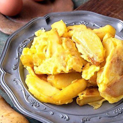 Patate con uova strapazzate