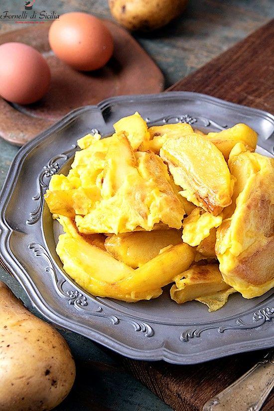Patate con uova strapazzate: la ricetta antica