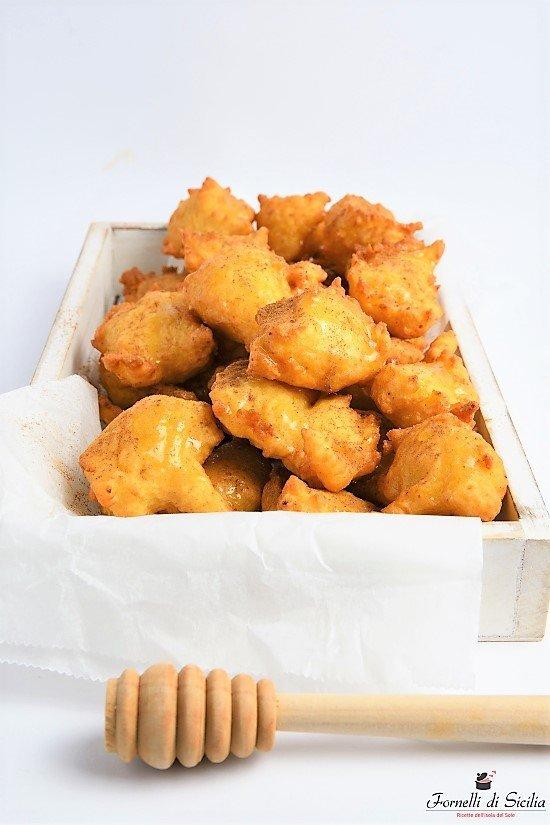 Cutumé – frittelle di ricotta al miele