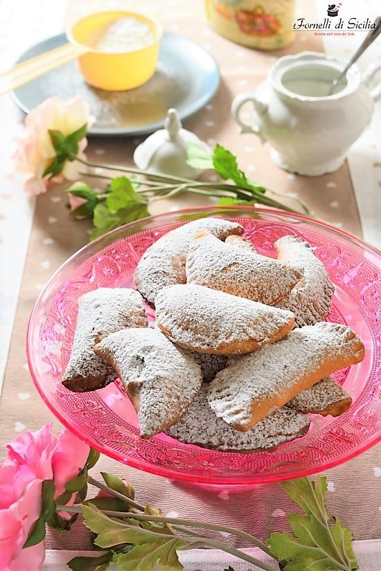 Cassatelle di ricotta: ricetta dei ravioli dolci