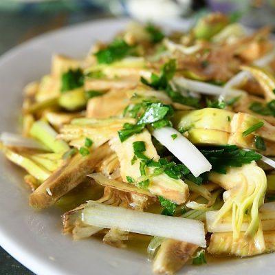 insalata di carciofi crudi pecorino e cipolla