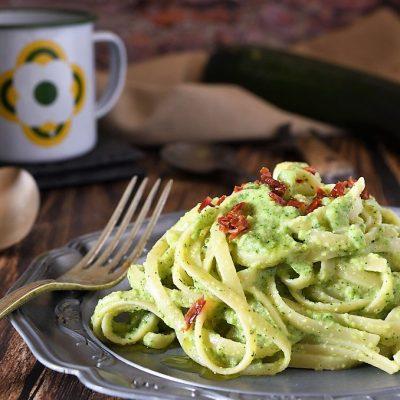 pasta con pesto di zucchine e ricotta