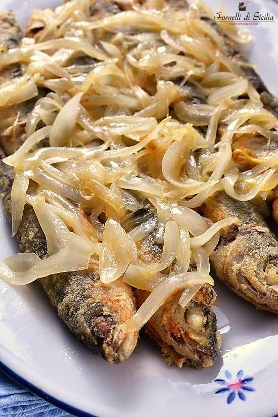 Vope (boghe) fritte con cipolla in agrodolce